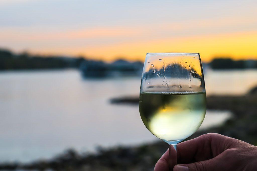 Comment choisir un verre à vin blanc